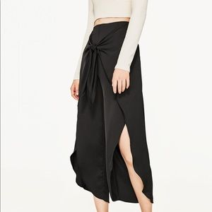 Zara flowing pants with knot